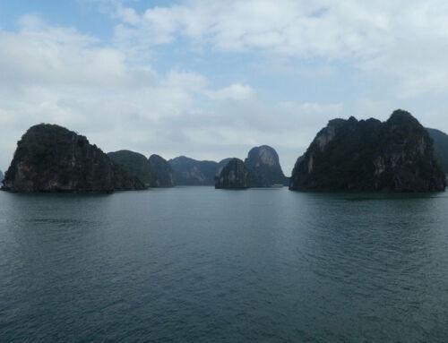 Halong Bucht – die Bucht des untertauchenden Drachens