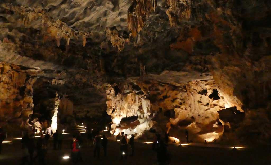cango-caves-oudtshoorn