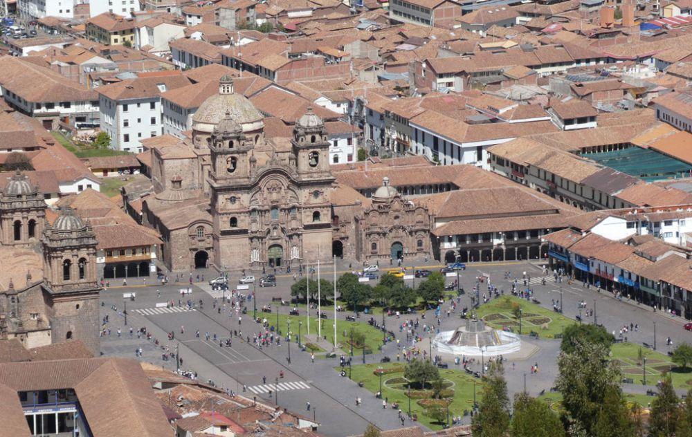 plaza-de-armas-cusco-peru-2