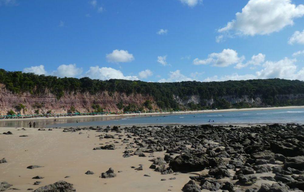 praia-baia-dos-golfinhos-2