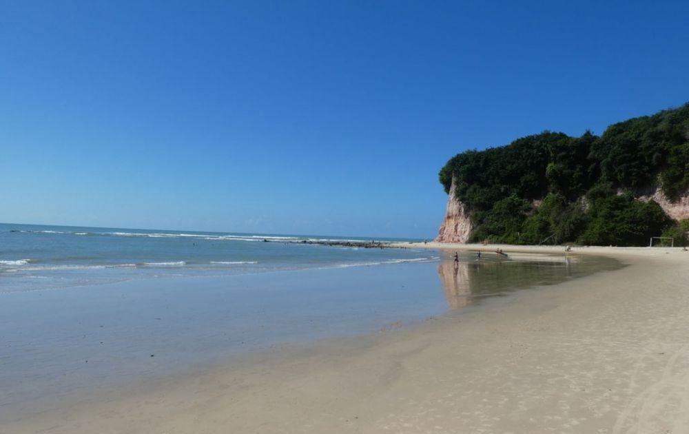 praia-baia-dos-golfinhos-6