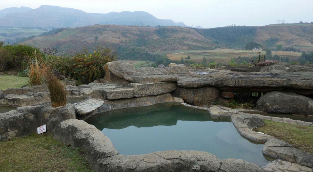 zulu-hut-winterton-drakensberge-2